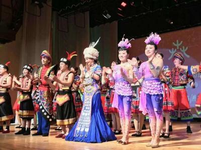 张家界民族文化节目亮相俄罗斯舞台