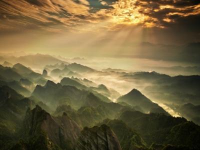 暑假期间,湖南�~山推出系列优免活动
