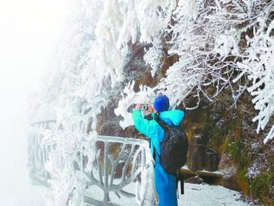 张家界天门山迎来今冬初雪