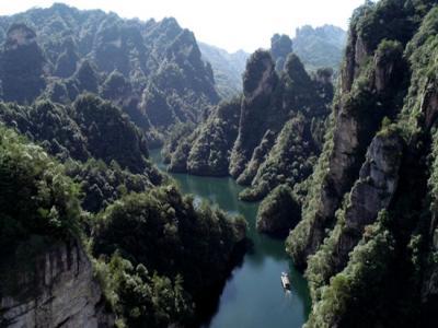 张家界宝峰湖景区3月5日恢复开放